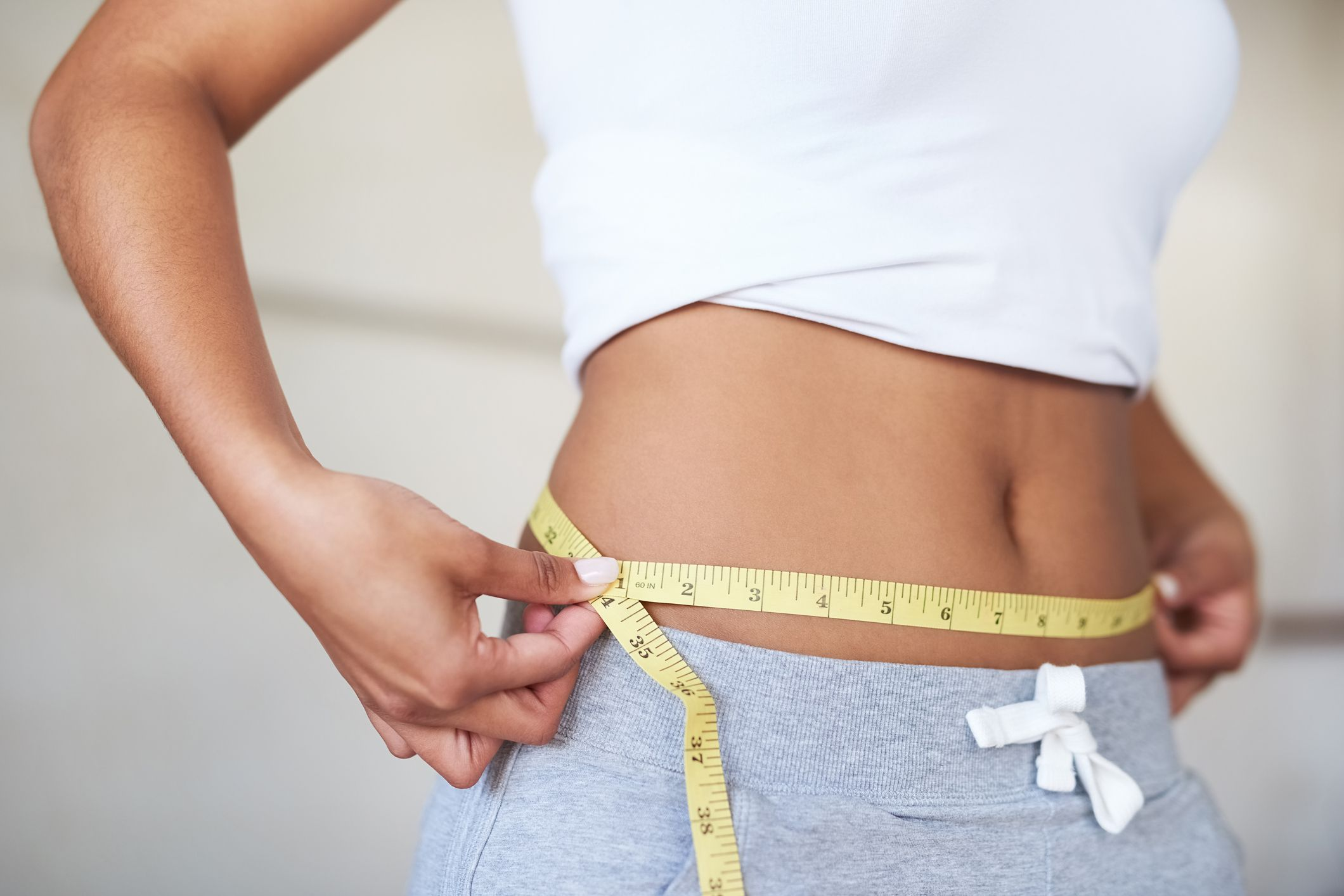 Las personas que llevan a cabo la dieta perricone pierden en torno a 7-10 kilos en los 28 días del plan alimenticio.