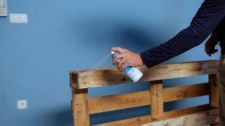 Cómo hacer un huerto de plantas de aromáticas con palets - Paso 4