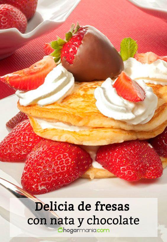 Receta de Delicia de fresas con nata y chocolate.