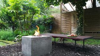 Cómo hacer un fogón de cemento para el jardín