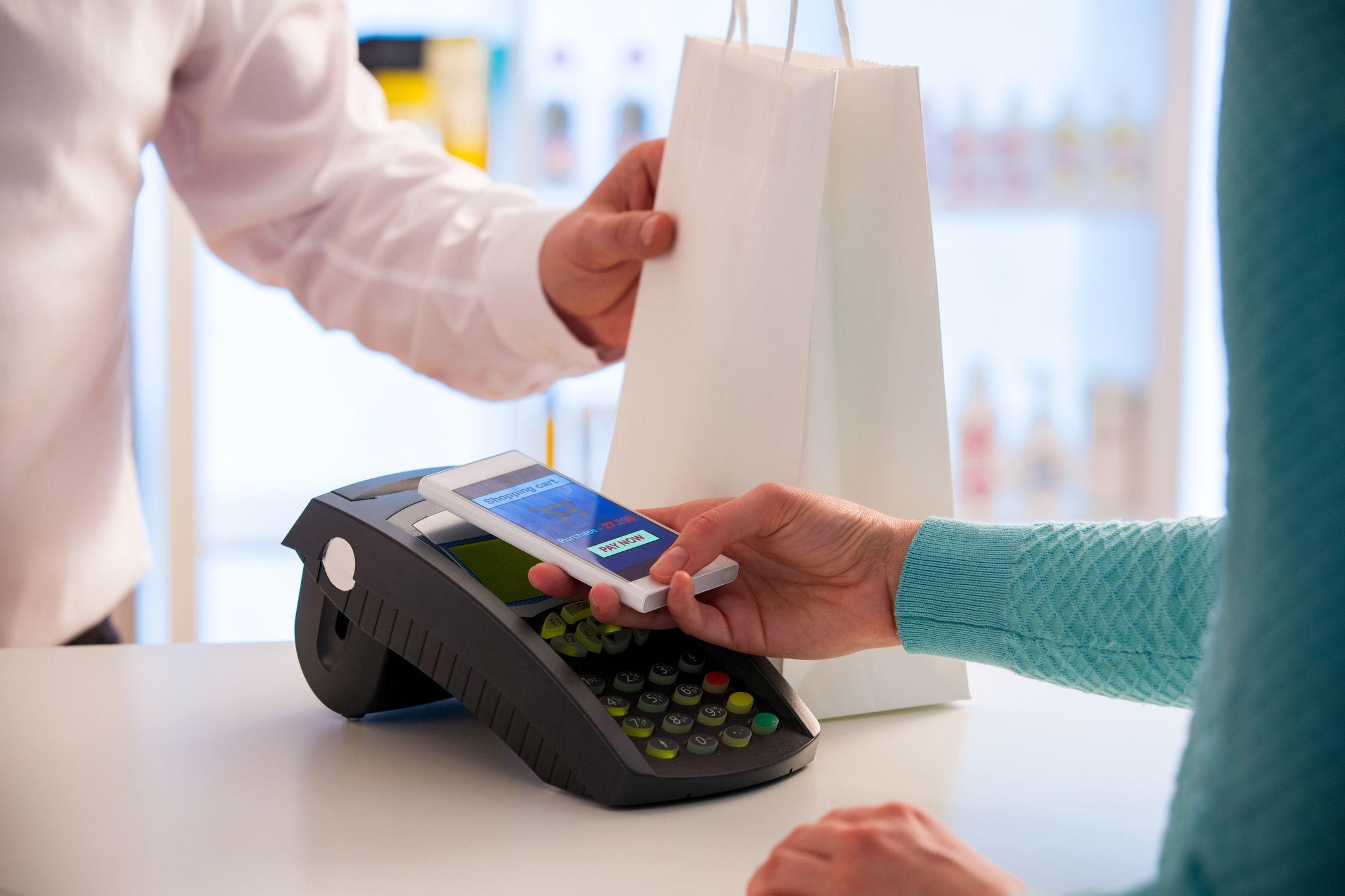 Pago inalámbrico utilizando smartphone y tecnología NFC.