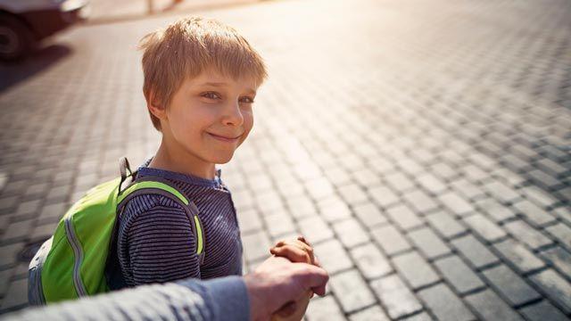 Acompaña a tu hijo el primer día de colegio.