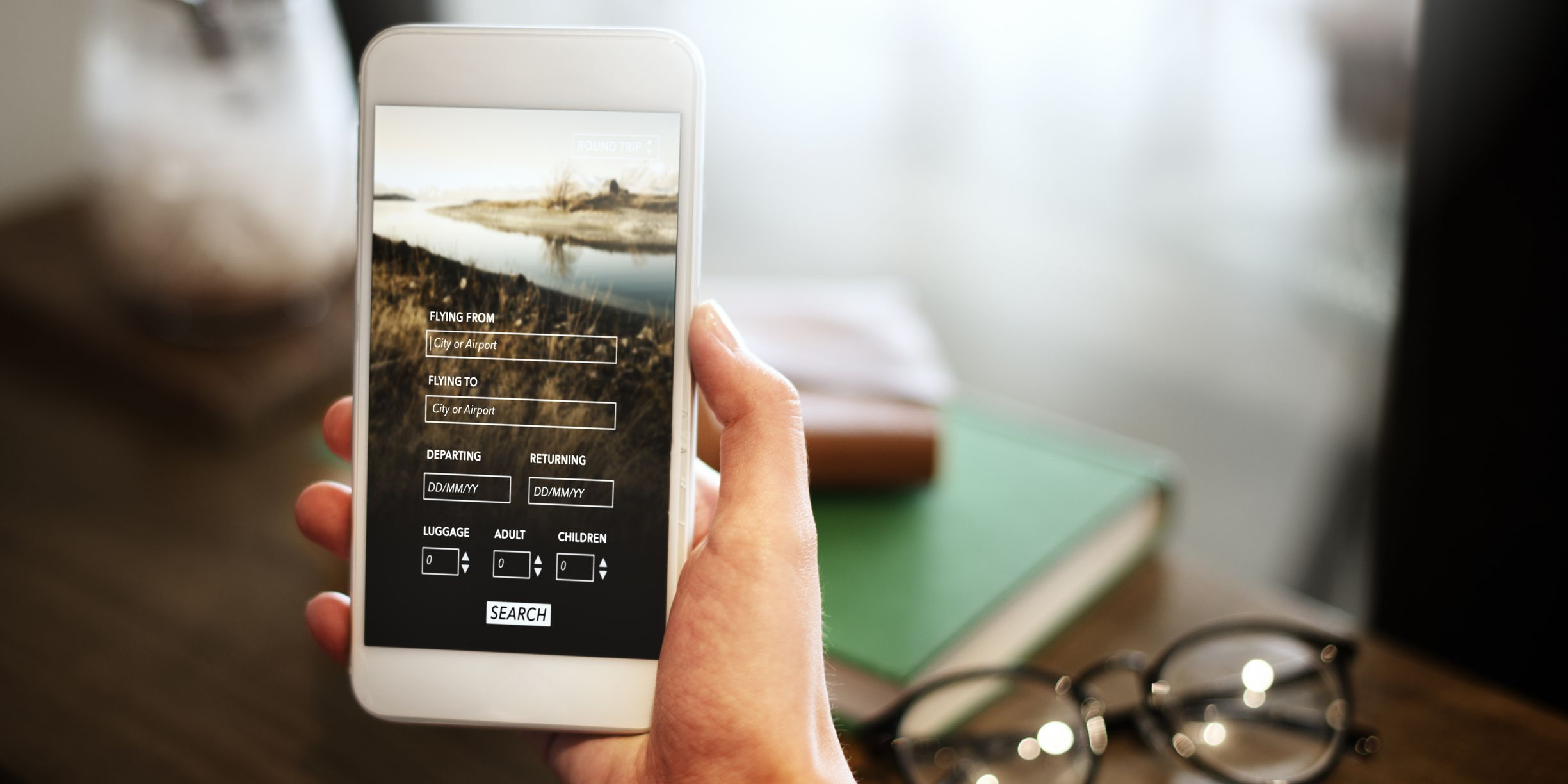 La mayoría de los comparadores de vuelos disponen también de una aplicación para móviles que hará mucho más sencilla la búsqueda estés donde estés.