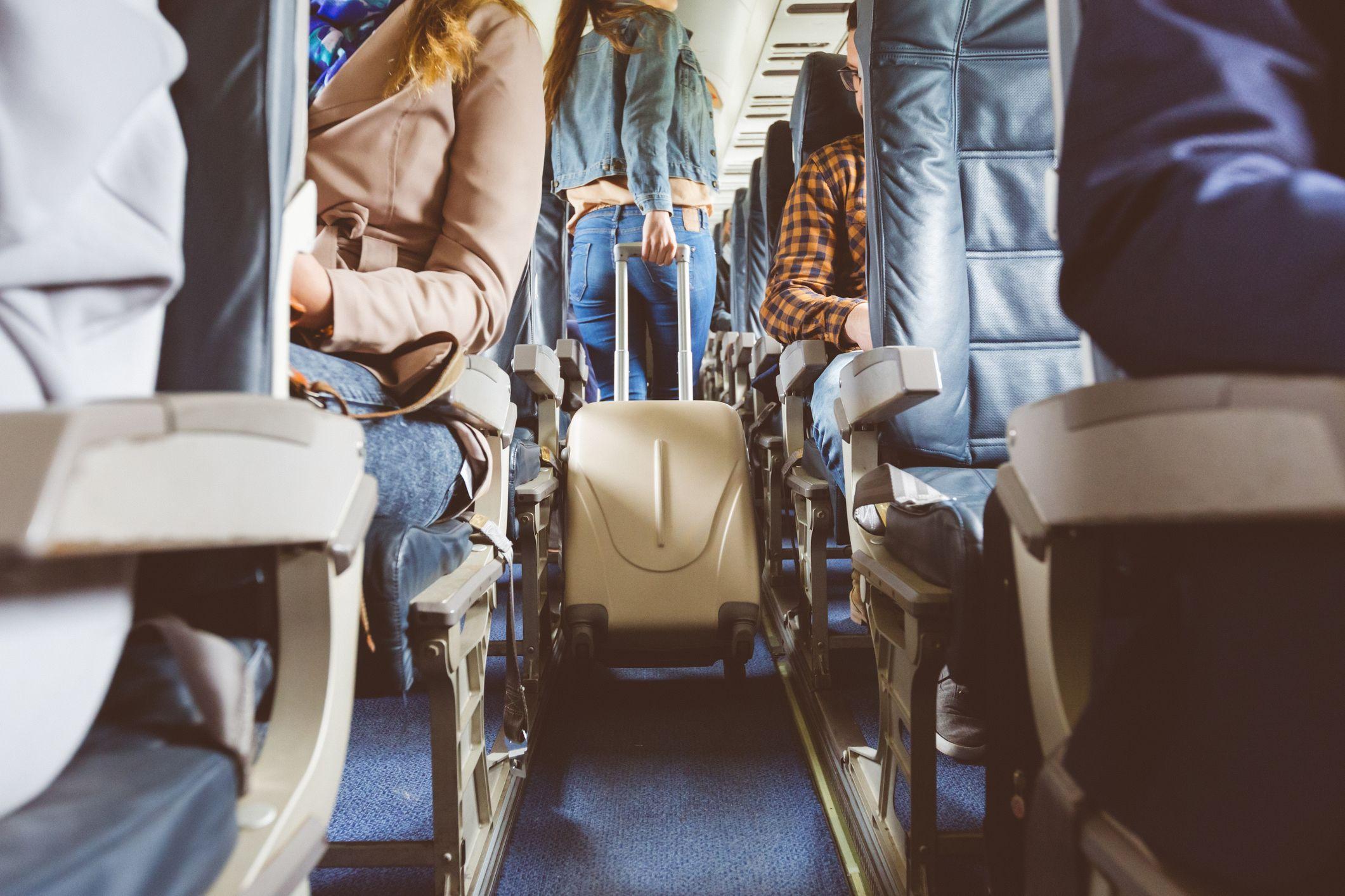 Ahorra dinero en tu viaje con menos equipaje que te permita no facturar la maleta.