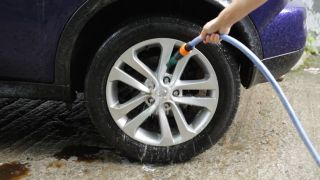 Cómo limpiar las llantas del coche - Paso 3