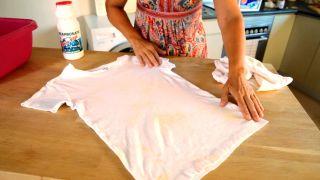 Eliminar el amarilleo de la ropa blanca - Detalle manchas