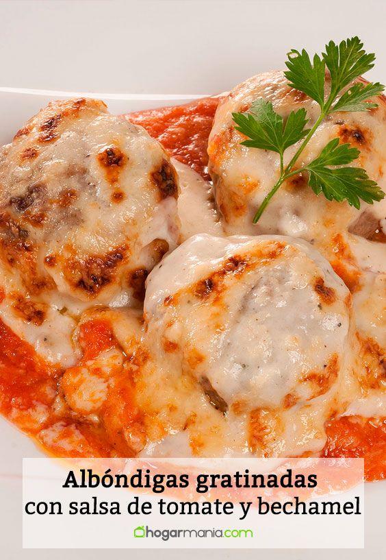 Receta de Albóndigas gratinadas con salsa de tomate y bechamel.