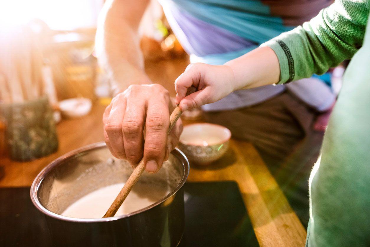 Cómo hacer atole de galleta.