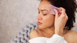 Masaje rejuvenecedor para evitar las cremas antiarrugas