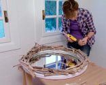 decorar espejo con ramas - paso 4