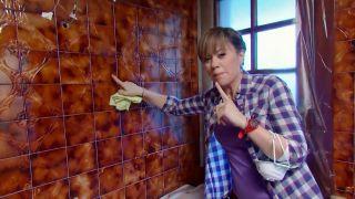 Cómo preparar la pared de azulejos antes de pintar paso 2