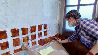 Cómo preparar la pared de azulejos antes de pintar paso 5