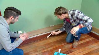 Cómo pintar suelo y zócalos de madera de un dormitorio - Paso 1