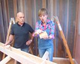 Colocar vigas huecas de madera en el techo - paso 1
