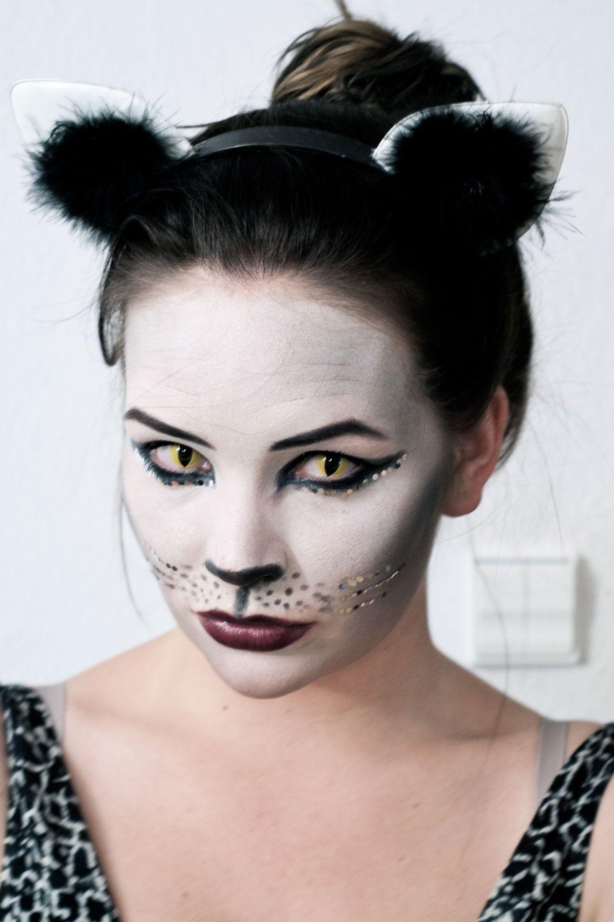 Prebases de maquillaje para Halloween.