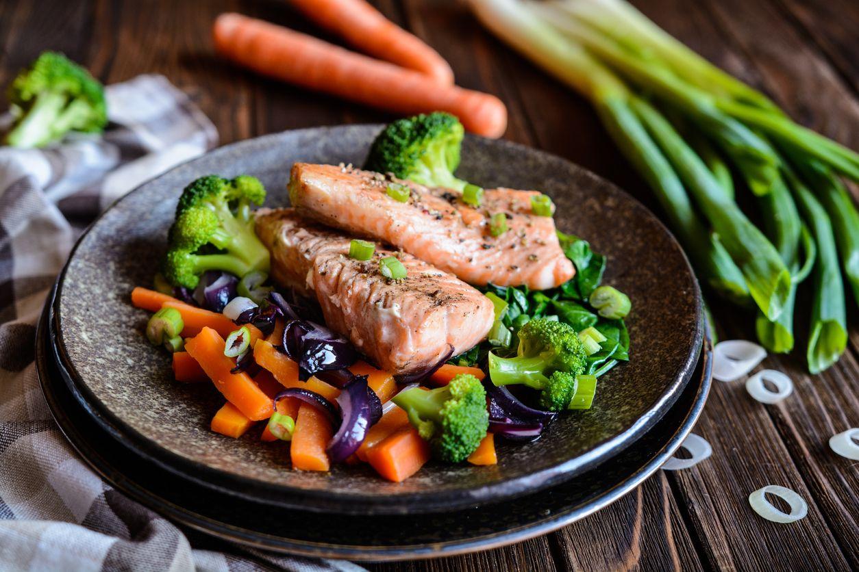 Cocinar al vapor o preparar zumos y purés nos permite conservar todas las propiedades y nutrientes de los alimentos.