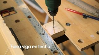 Cómo colocar una falsa viga en el techo - Paso 5