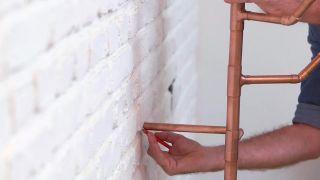 Cómo hacer un perchero de cobre - Paso 8