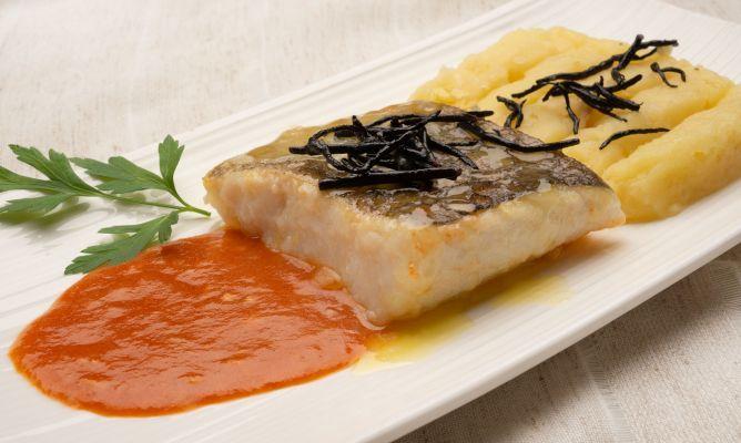 Bacalao asado con salsa de txakoli