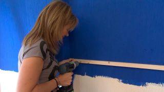Decorar pared de dormitorio con friso de OSB iluminado - antes