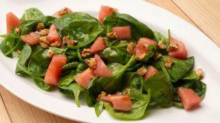 Receta de Ensalada de espinacas, tomate y nueces