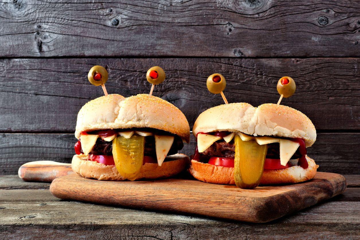 Hamburguesa monstruo para Halloween.