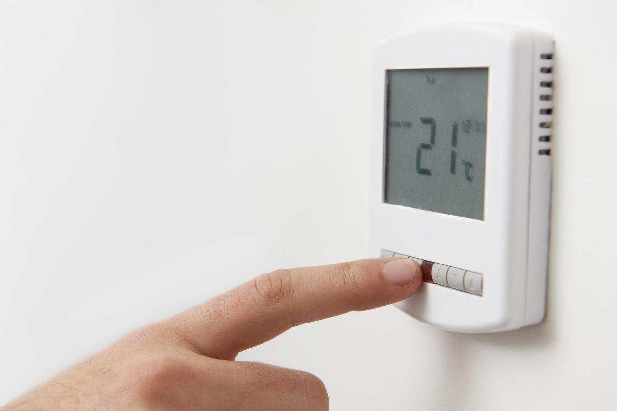 Control de la calefacción por termostato.