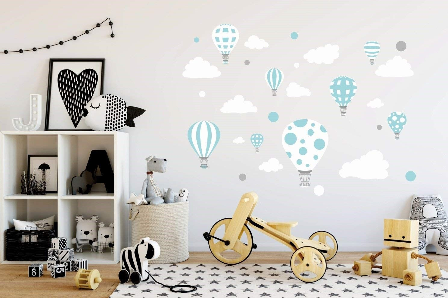 Vinilo de globos para decorar habitación infantil.
