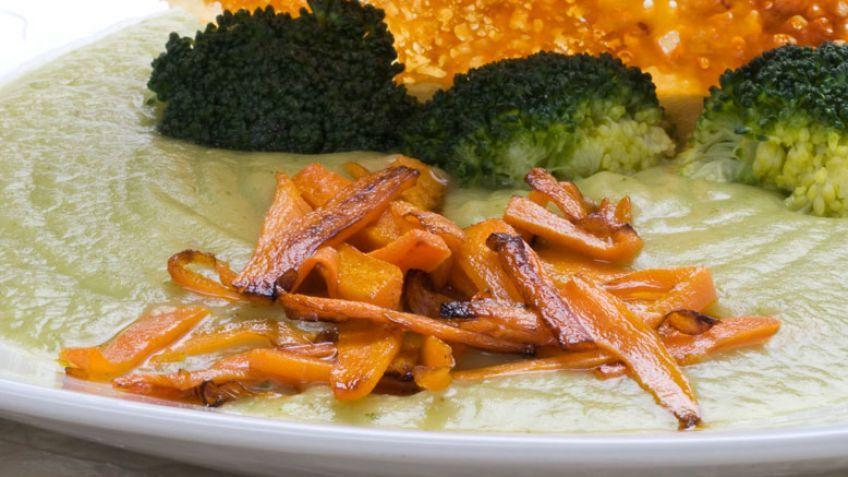 Las mejores recetas de calabacín de Karlos Arguiñano - Crema de calabacín con verduritas y queso
