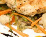 Pechuga de pollo con verduras.