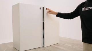 Cómo colocar mini-alarmas en los armarios  - Paso 2