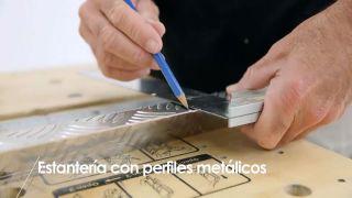 Cómo hacer una estantería con perfiles metálicos - Paso 2