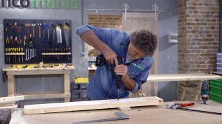 Cómo hacer una lámpara con un listón de madera - Paso 2