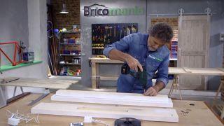 Cómo hacer una lámpara con un listón de madera - Paso 7