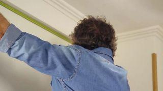 Cómo colocar un techo aislante acústico - Paso 1