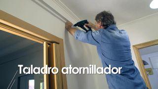 Cómo colocar un techo aislante acústico - Paso 3