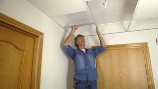 Cómo colocar un techo aislante acústico - Paso 7