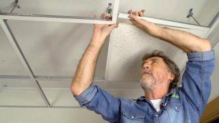 Cómo colocar un techo aislante acústico - Paso 8