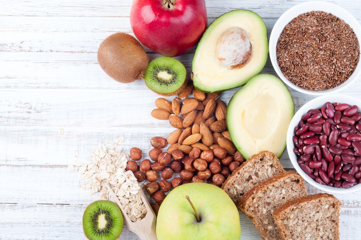 En una dieta saludable para controlar la diabetes no pueden faltar legumbres, frutas, verduras, frutos secos y cereales integrales.