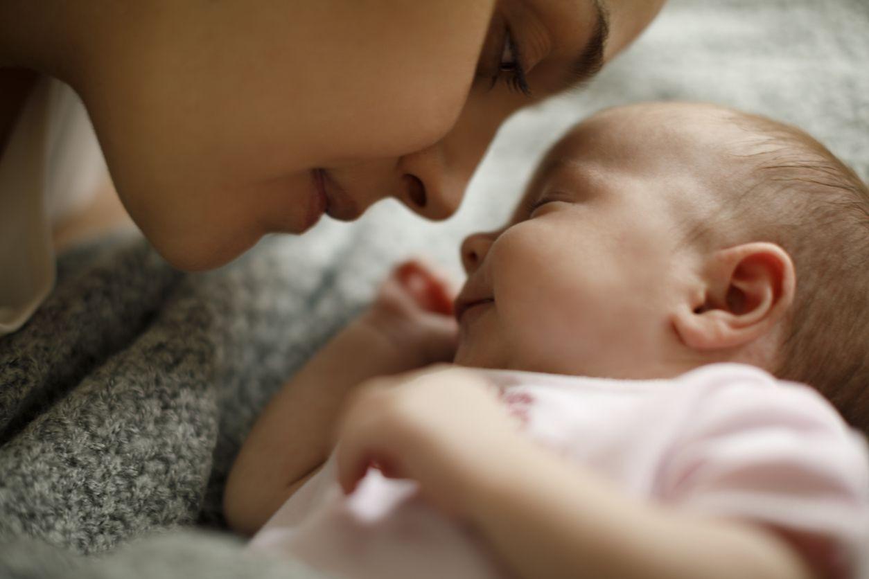 La lactancia aporta innumerables beneficios para la salud del bebé y de la madre.