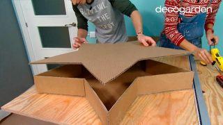 Hacer estrellas de Navidad de cartón - paso 5