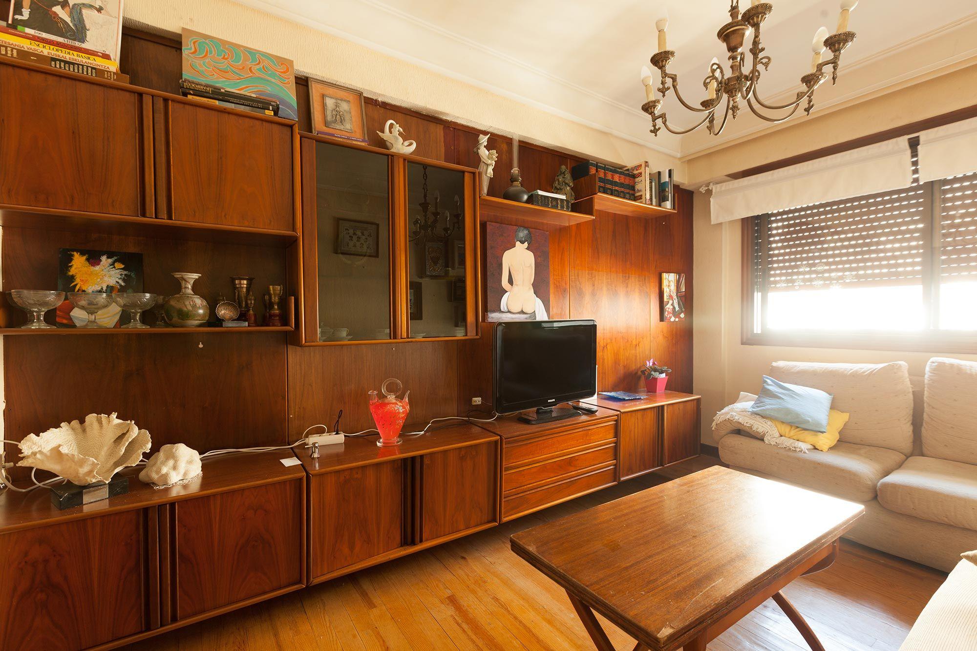 decorar sala pequeña en color verde - antes