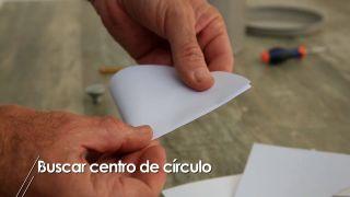 Cómo buscar el centro de un círculo - Paso 1