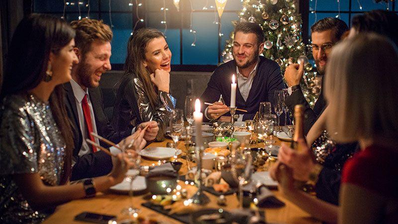 Cena de Navidad con amigos y familiares.