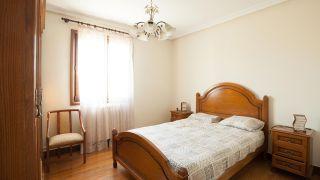 decorar dormitorio luminoso y romántico con muebles reciclados - antes y después