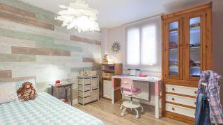 Decorar dormitorio juvenil con estudio rosa