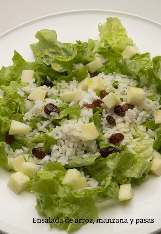 Ensalada de arroz, manzana y pasas