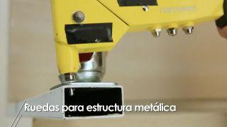 Cómo colocar ruedas a una estructura metálica - Paso 4
