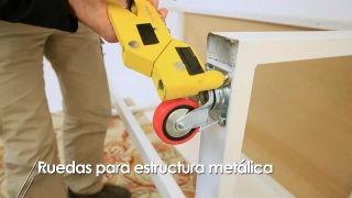 Cómo colocar ruedas a una estructura metálica - Paso 5