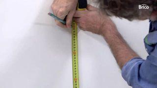 Cómo empapelar una pared de dos formas distintas - Paso 1